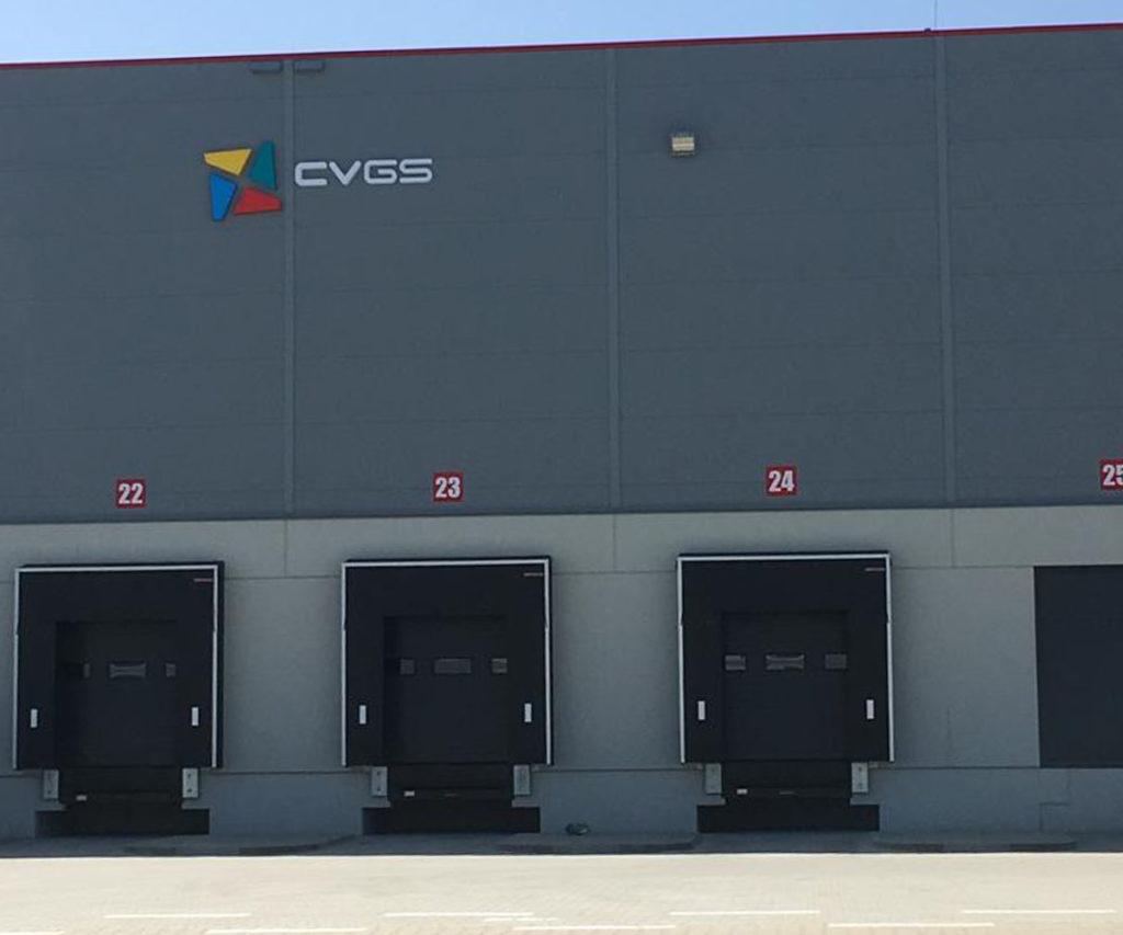 logo na nowej hali produkcyjnej CVGS konwerting